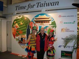 Werner Hoffmann auf dem Taiwan-Stand